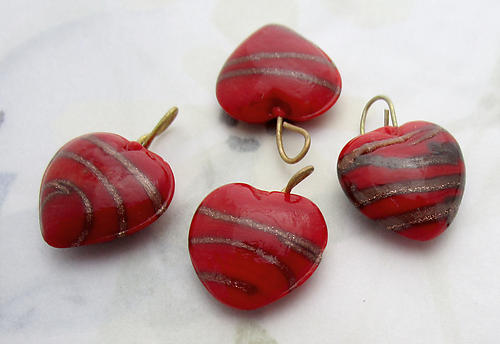 12 pcs. glass red w gold stripe heart charms 15x14mm - f6915