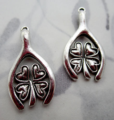 4 pcs. casted silver plated two sided wishbone four leaf clover good luck charms 24x14mm - f7212