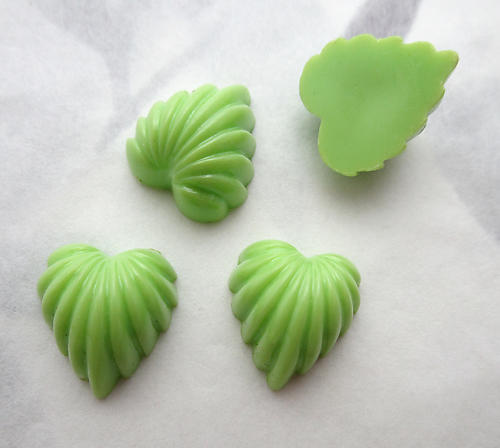 12 pcs. plastic green high dome scalloped heart leaf flat back cabochons 14x12mm - s214