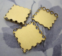 9 pcs. raw brass square lace edge cabochon setting 18mm - f4794