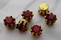 18 pcs. Swarovski MCC machine cut crystal siam ruby red rhinestones in raw brass settings ss19 - s356
