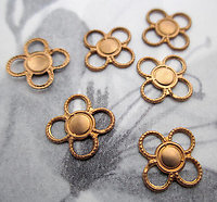 18 pcs. raw brass flower connector stamping charms 9mm - s686