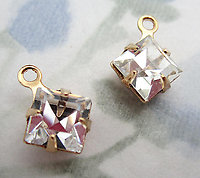 8 pcs. MCC machine cut crystal square diamond charms in gold tone 6mm - s782